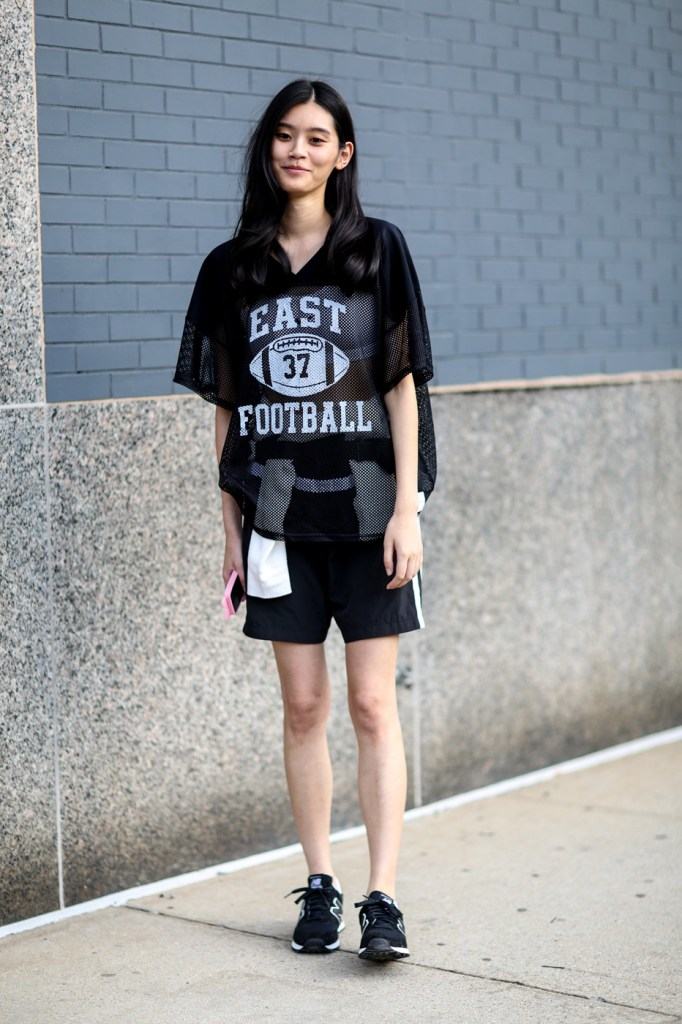 new-york-street-style-nyfw-day-4-sept-2014-the-impression-039
