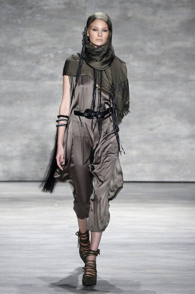 Nicholas-K-spring-2015-runway-fashion-show-the-impression-011
