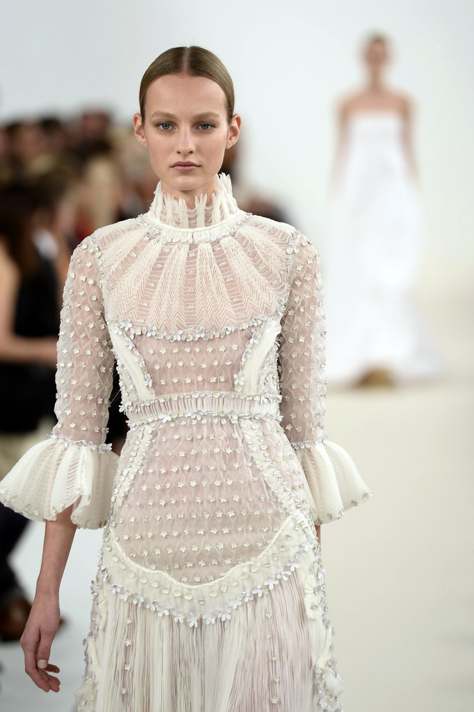 valentino-haute-couture-2015-the-impression-88