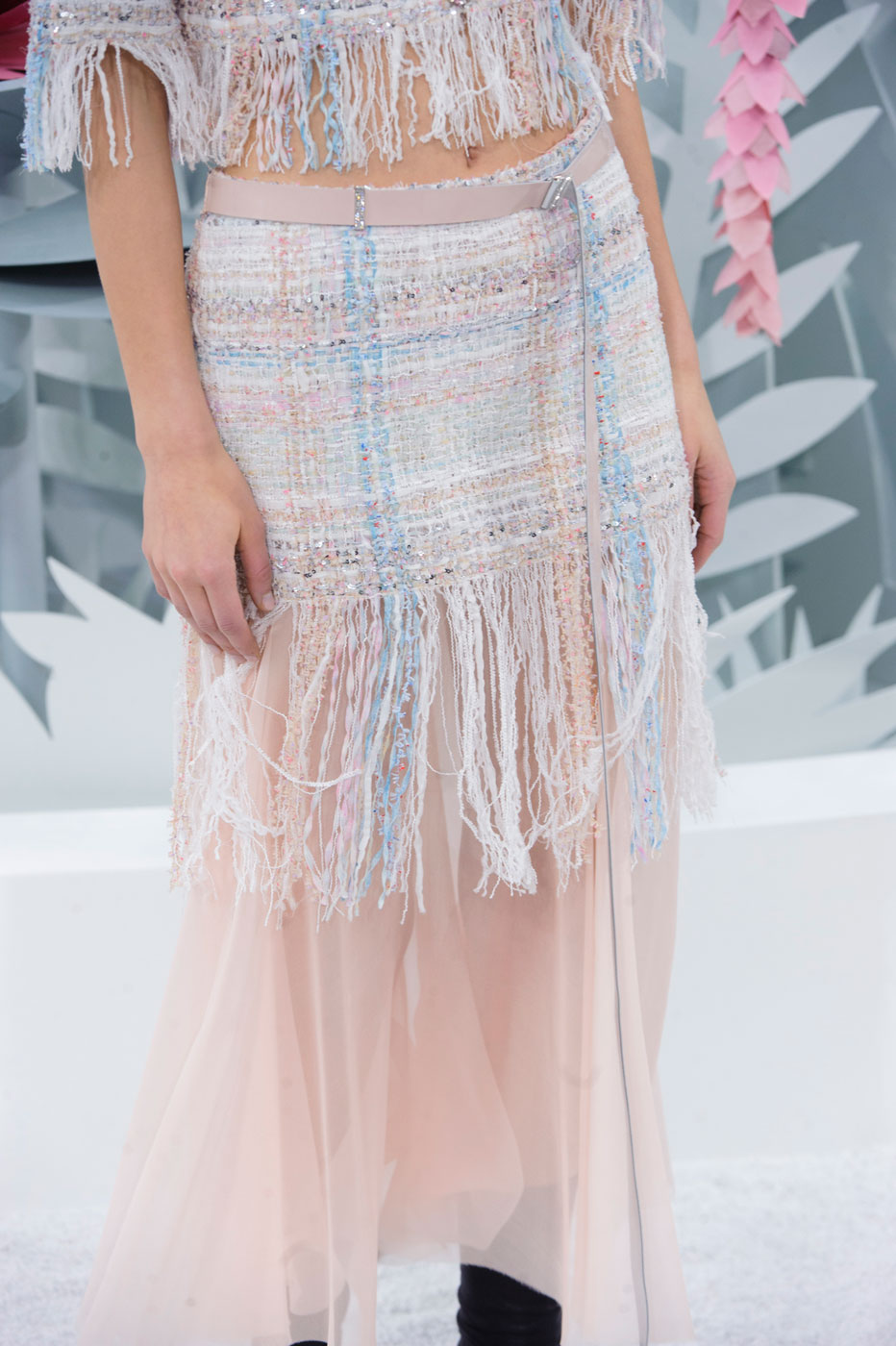 Chanel-fashion-runway-show-close-ups-haute-couture-paris-spring-summer-2015-the-impression-049