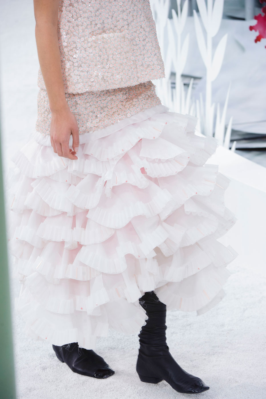 Chanel-fashion-runway-show-close-ups-haute-couture-paris-spring-summer-2015-the-impression-137