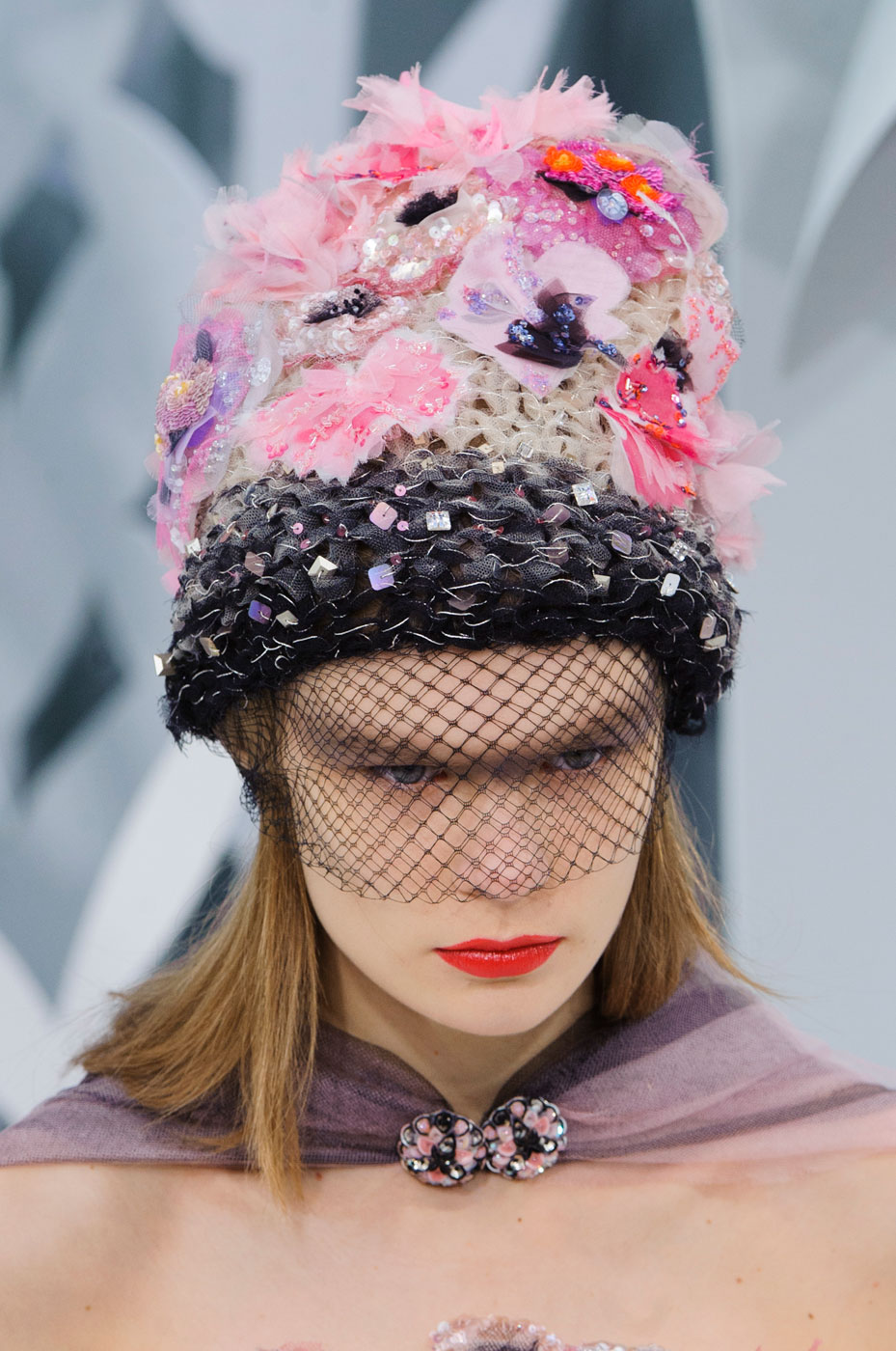 Chanel-fashion-runway-show-close-ups-haute-couture-paris-spring-summer-2015-the-impression-141