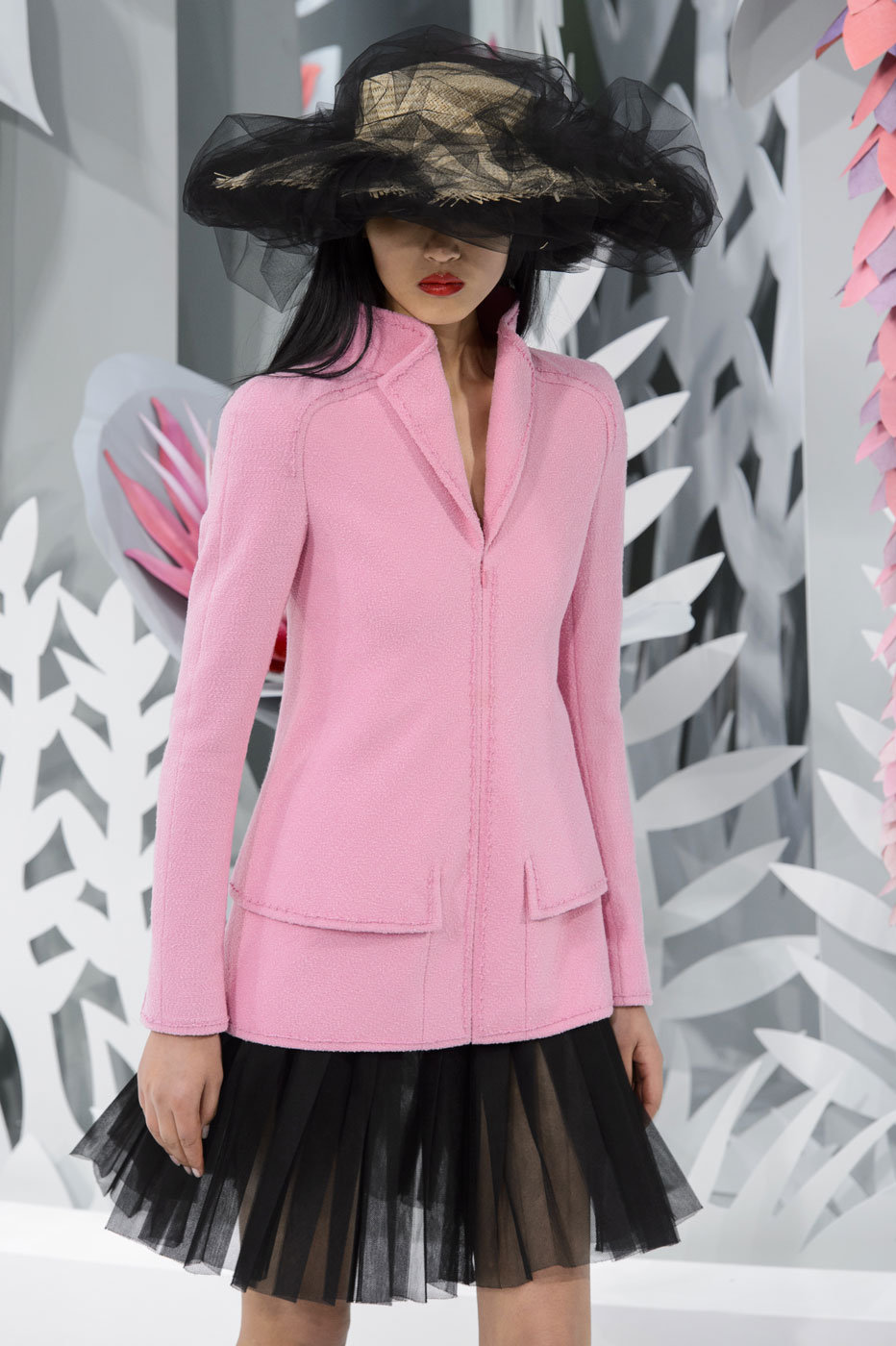 Chanel-fashion-runway-show-haute-couture-paris-spring-summer-2015-the-impression-016