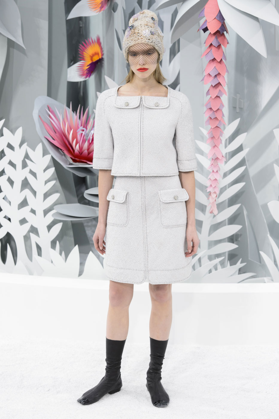 Chanel-fashion-runway-show-haute-couture-paris-spring-summer-2015-the-impression-021