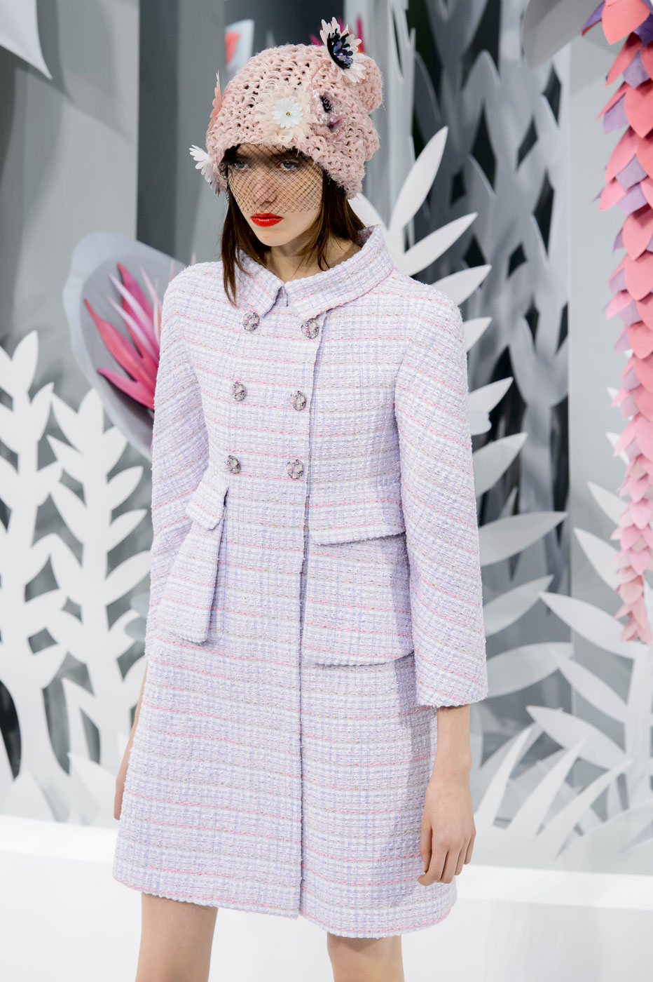 Chanel-fashion-runway-show-haute-couture-paris-spring-summer-2015-the-impression-026