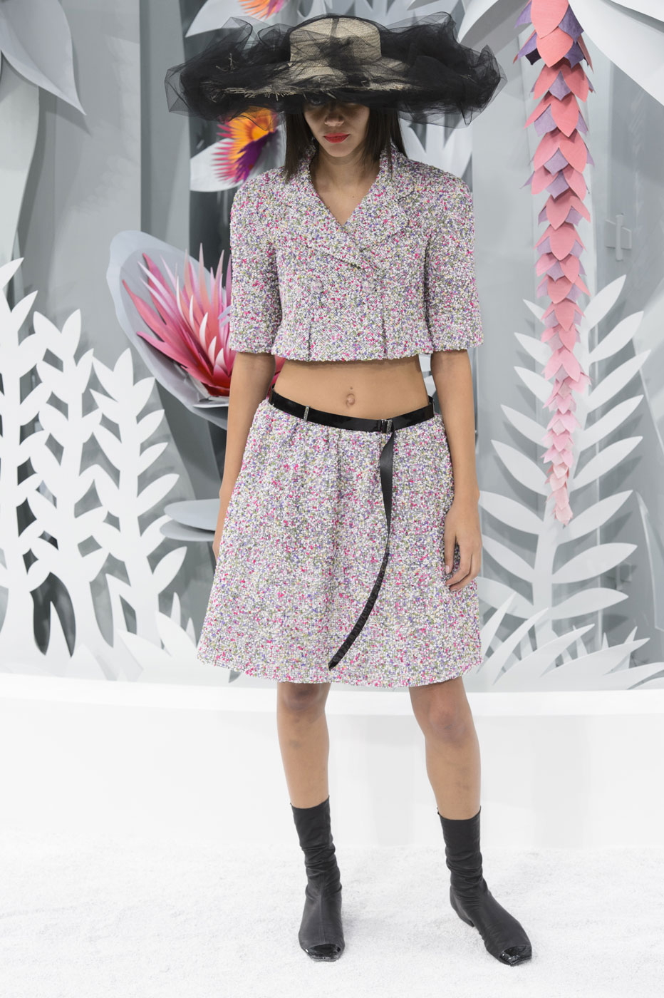 Chanel-fashion-runway-show-haute-couture-paris-spring-summer-2015-the-impression-038
