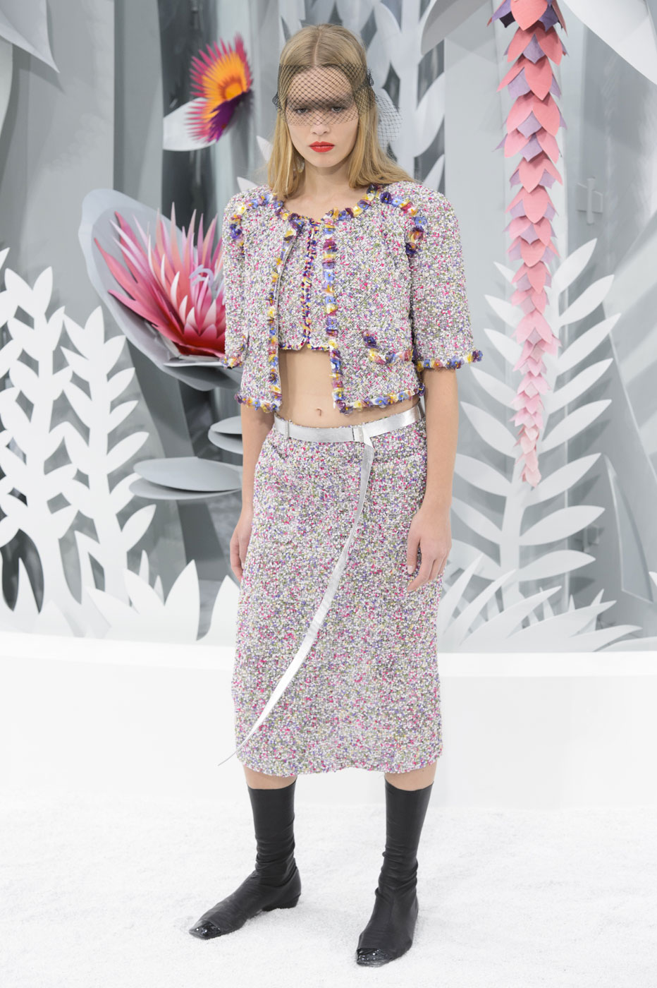 Chanel-fashion-runway-show-haute-couture-paris-spring-summer-2015-the-impression-040