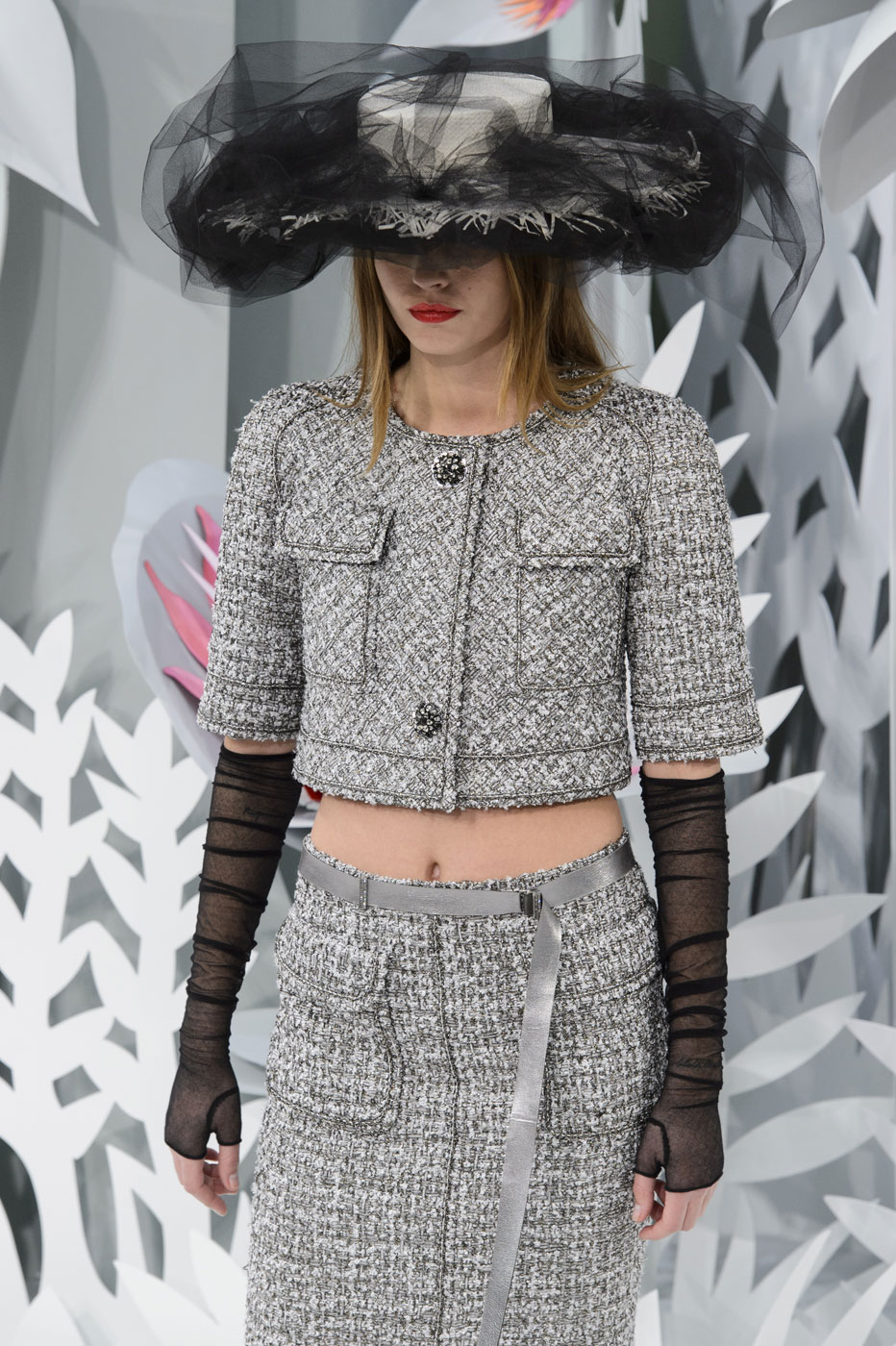Chanel-fashion-runway-show-haute-couture-paris-spring-summer-2015-the-impression-043