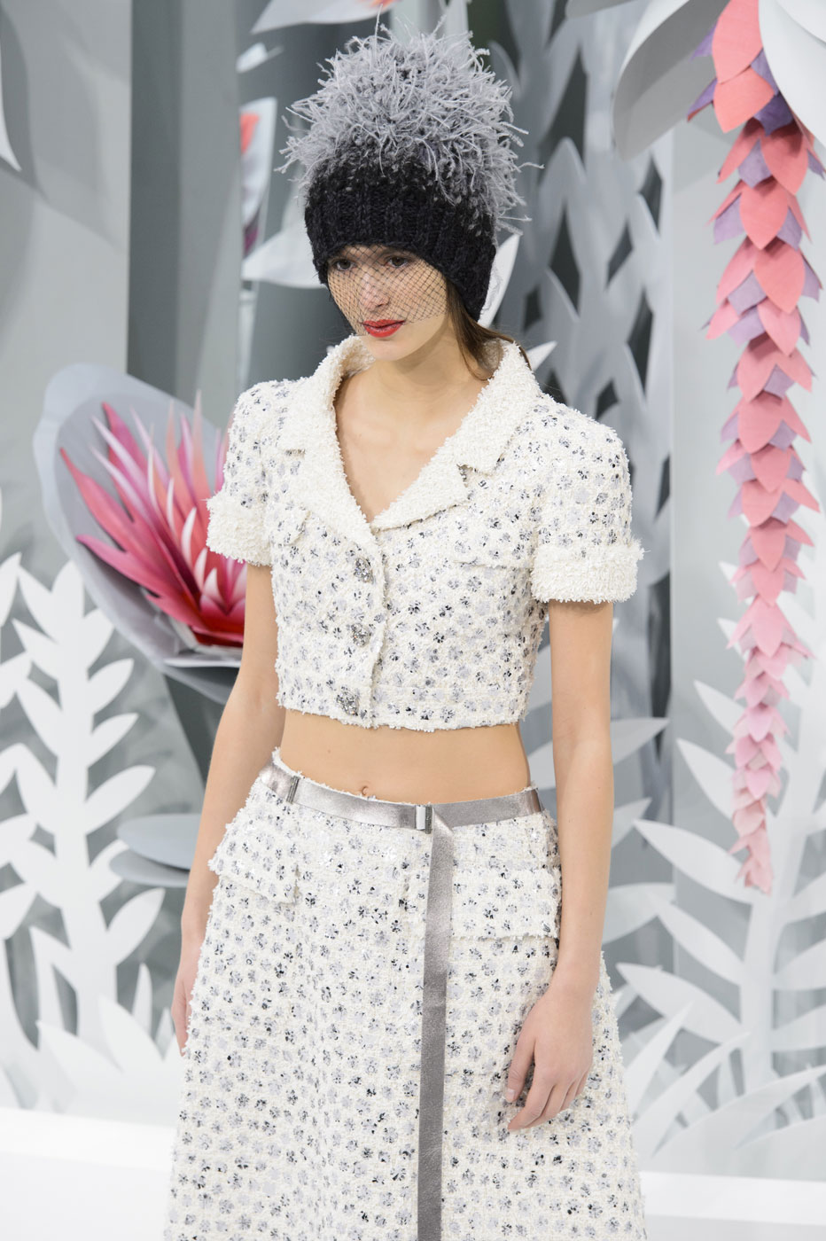 Chanel-fashion-runway-show-haute-couture-paris-spring-summer-2015-the-impression-053