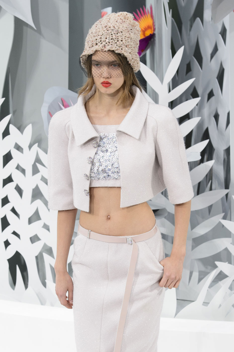 Chanel-fashion-runway-show-haute-couture-paris-spring-summer-2015-the-impression-055