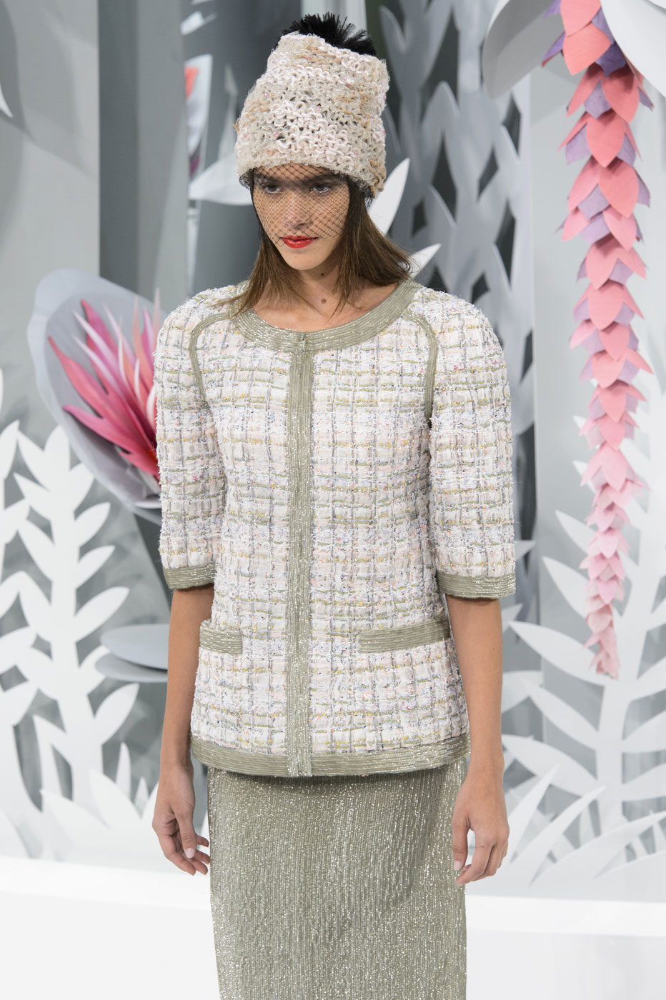Chanel-fashion-runway-show-haute-couture-paris-spring-summer-2015-the-impression-057