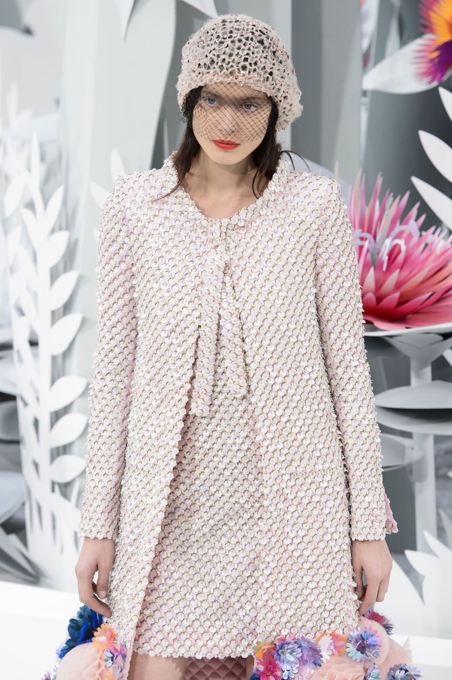Chanel-fashion-runway-show-haute-couture-paris-spring-summer-2015-the-impression-106