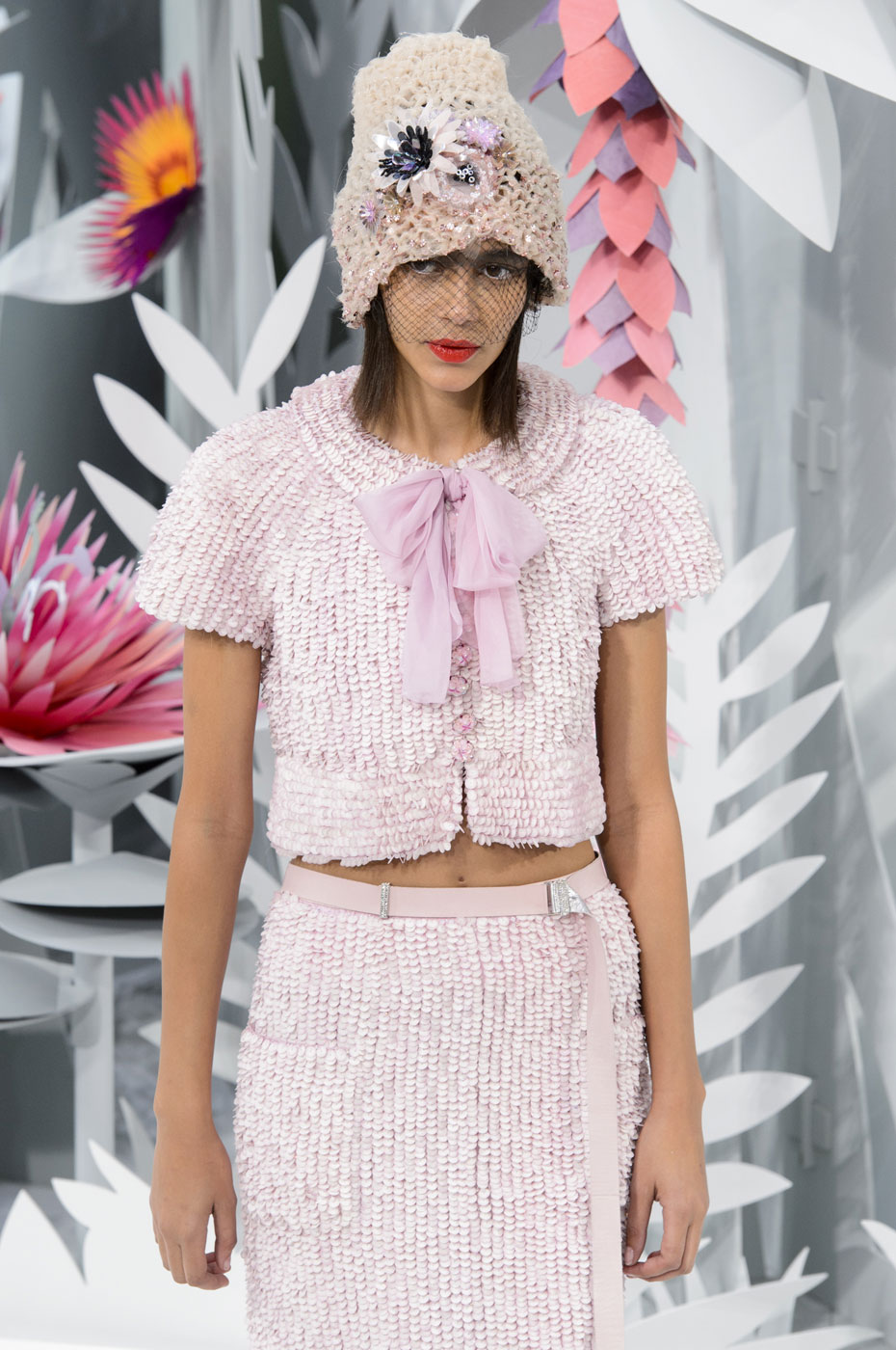 Chanel-fashion-runway-show-haute-couture-paris-spring-summer-2015-the-impression-122