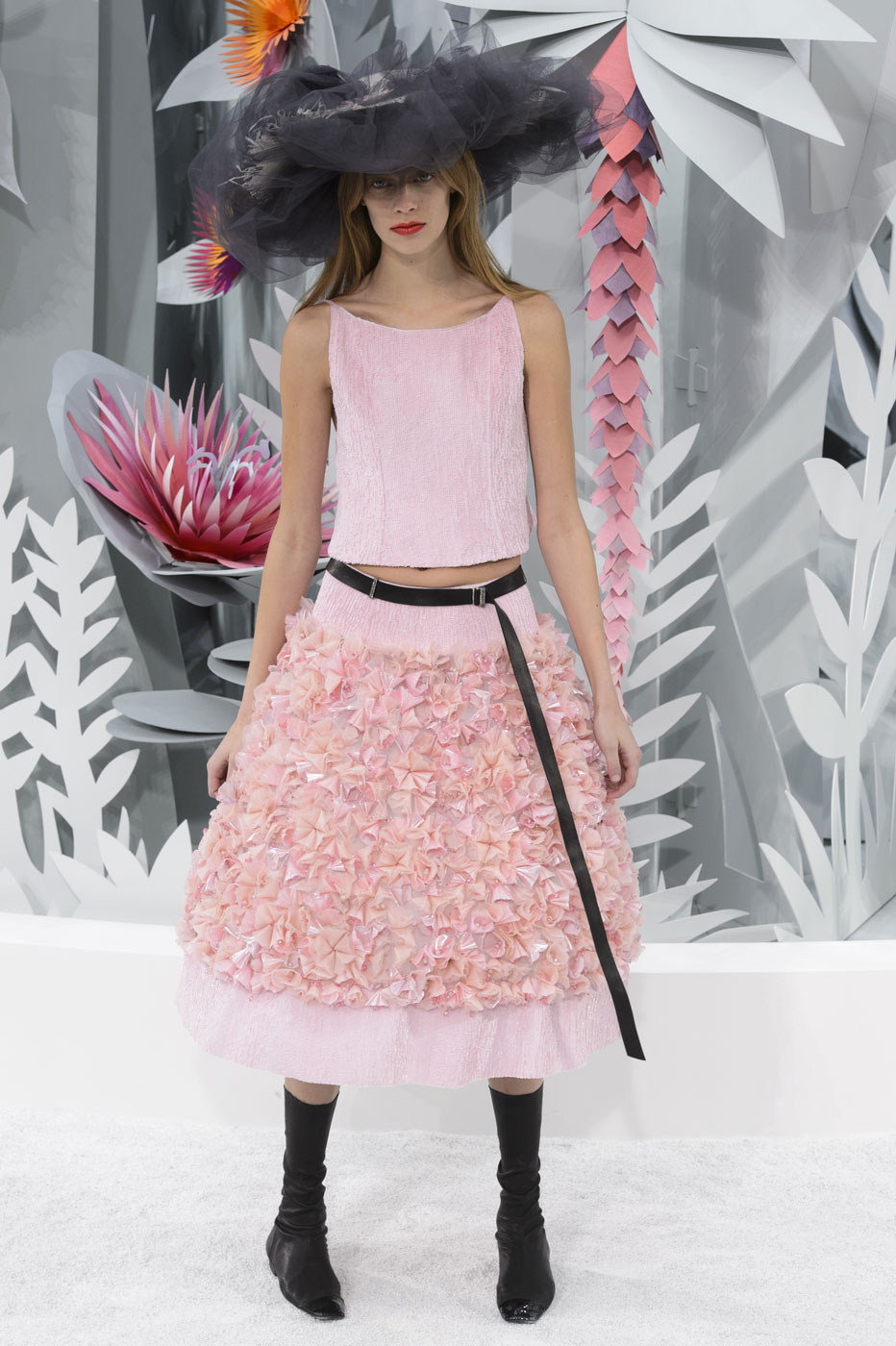 Chanel-fashion-runway-show-haute-couture-paris-spring-summer-2015-the-impression-149