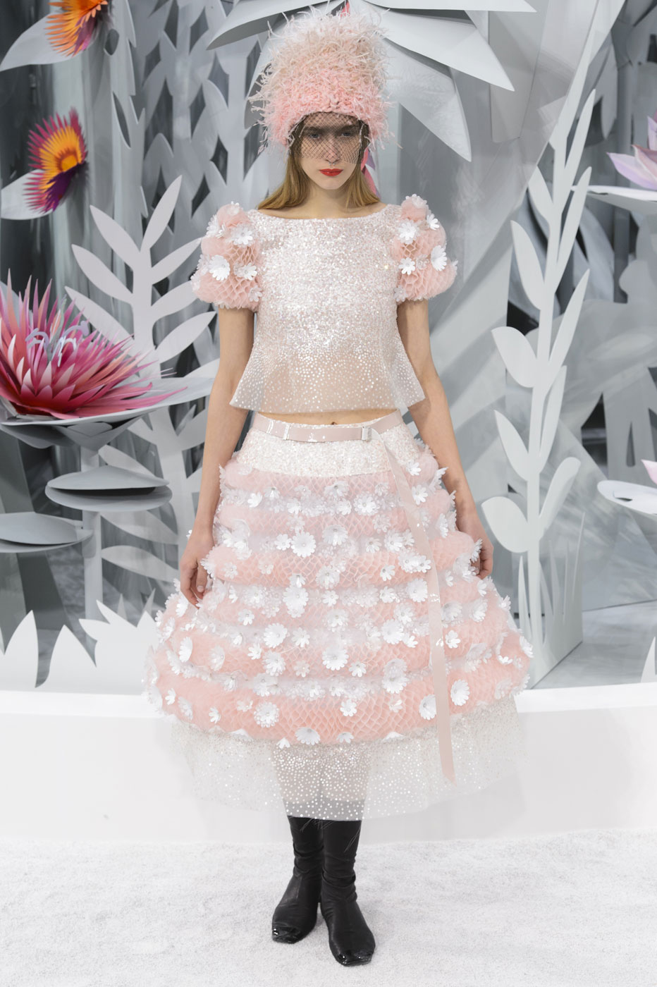 Chanel-fashion-runway-show-haute-couture-paris-spring-summer-2015-the-impression-151