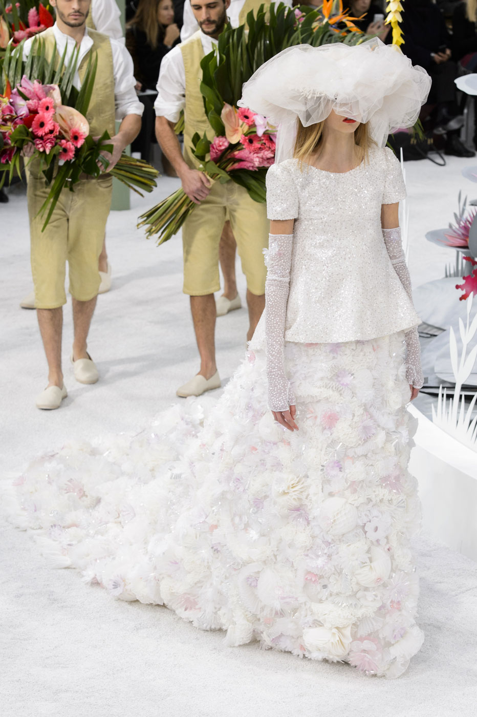 Chanel-fashion-runway-show-haute-couture-paris-spring-summer-2015-the-impression-153