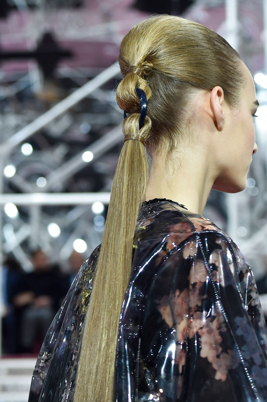Christian-Dior-fashion-runway-show-close-ups-haute-couture-paris-spring-summer-2015-the-impression-007