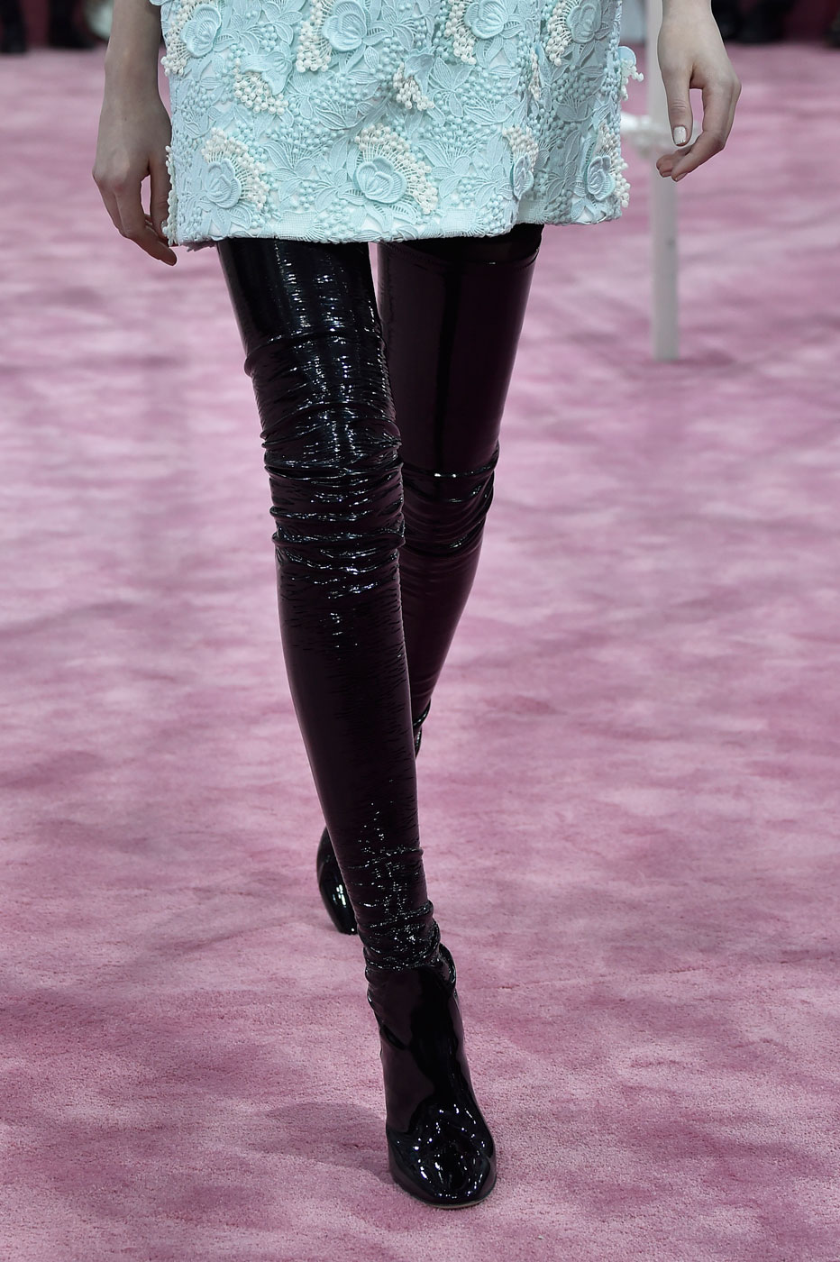 Christian-Dior-fashion-runway-show-close-ups-haute-couture-paris-spring-summer-2015-the-impression-043