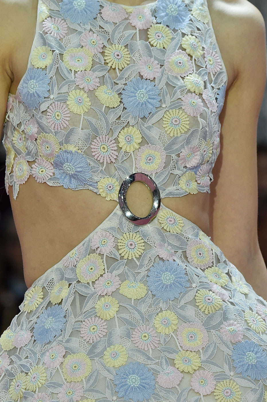Christian-Dior-fashion-runway-show-close-ups-haute-couture-paris-spring-summer-2015-the-impression-055