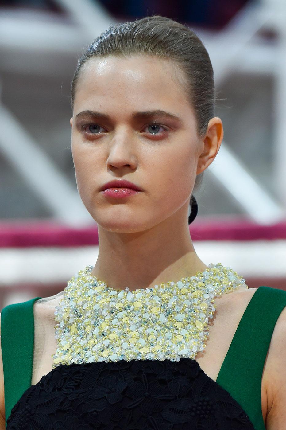 Christian-Dior-fashion-runway-show-close-ups-haute-couture-paris-spring-summer-2015-the-impression-067