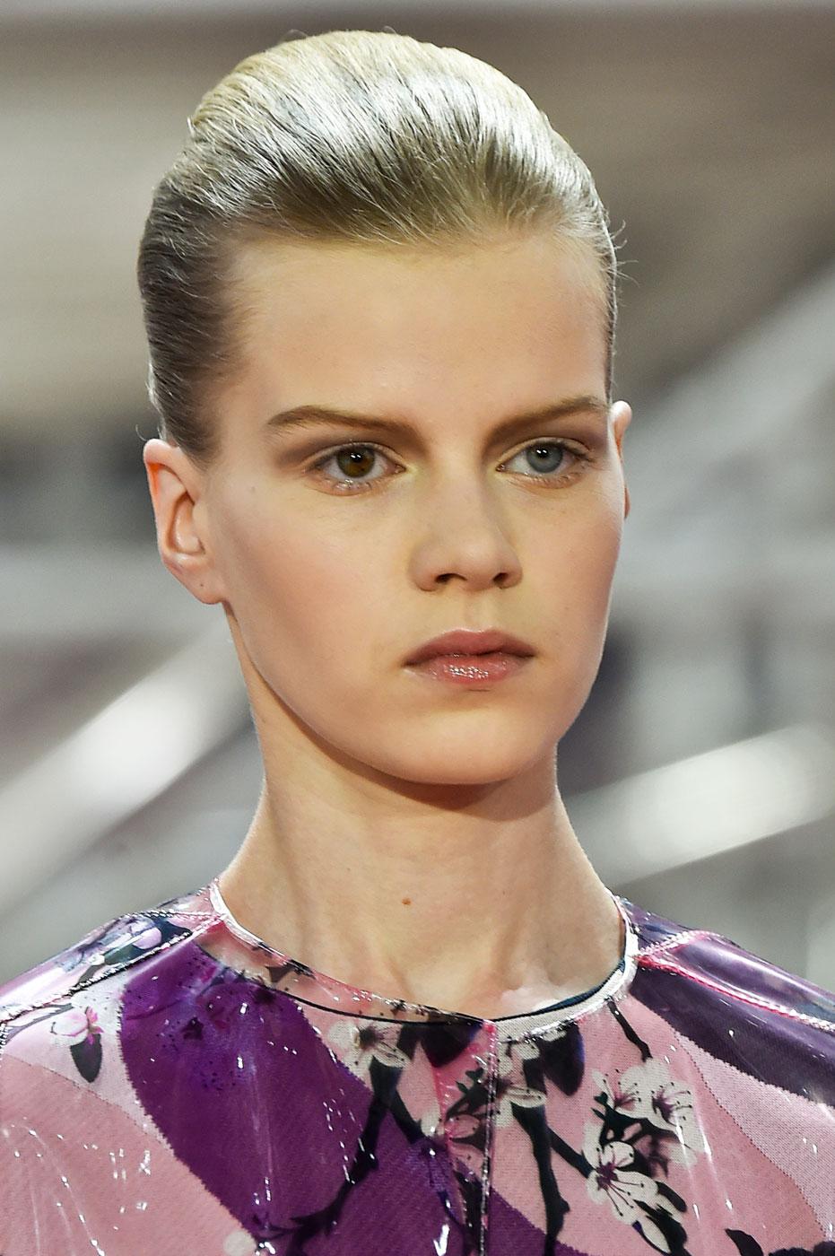Christian-Dior-fashion-runway-show-close-ups-haute-couture-paris-spring-summer-2015-the-impression-107