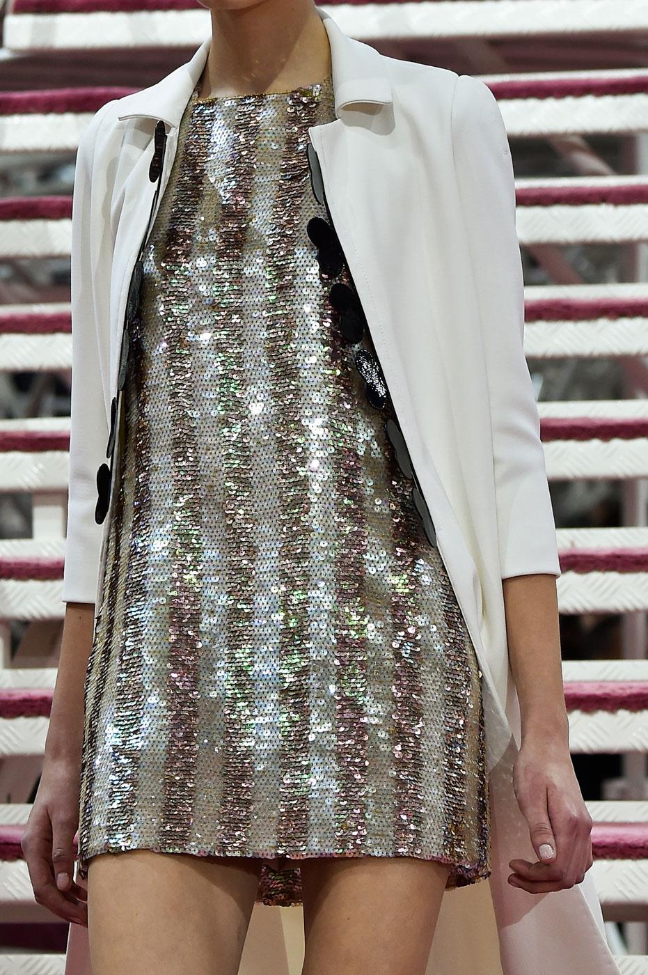 Christian-Dior-fashion-runway-show-close-ups-haute-couture-paris-spring-summer-2015-the-impression-116