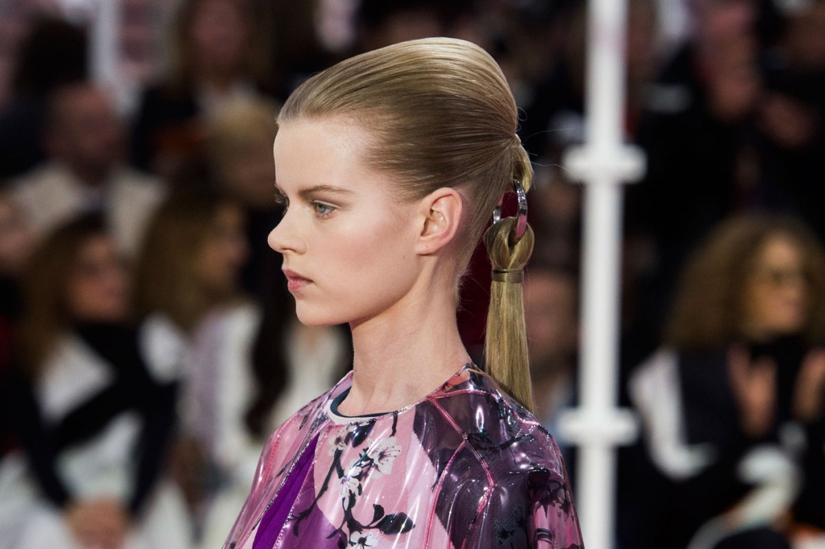 Christian-Dior-fashion-runway-show-close-ups-haute-couture-paris-spring-summer-2015-the-impression-203