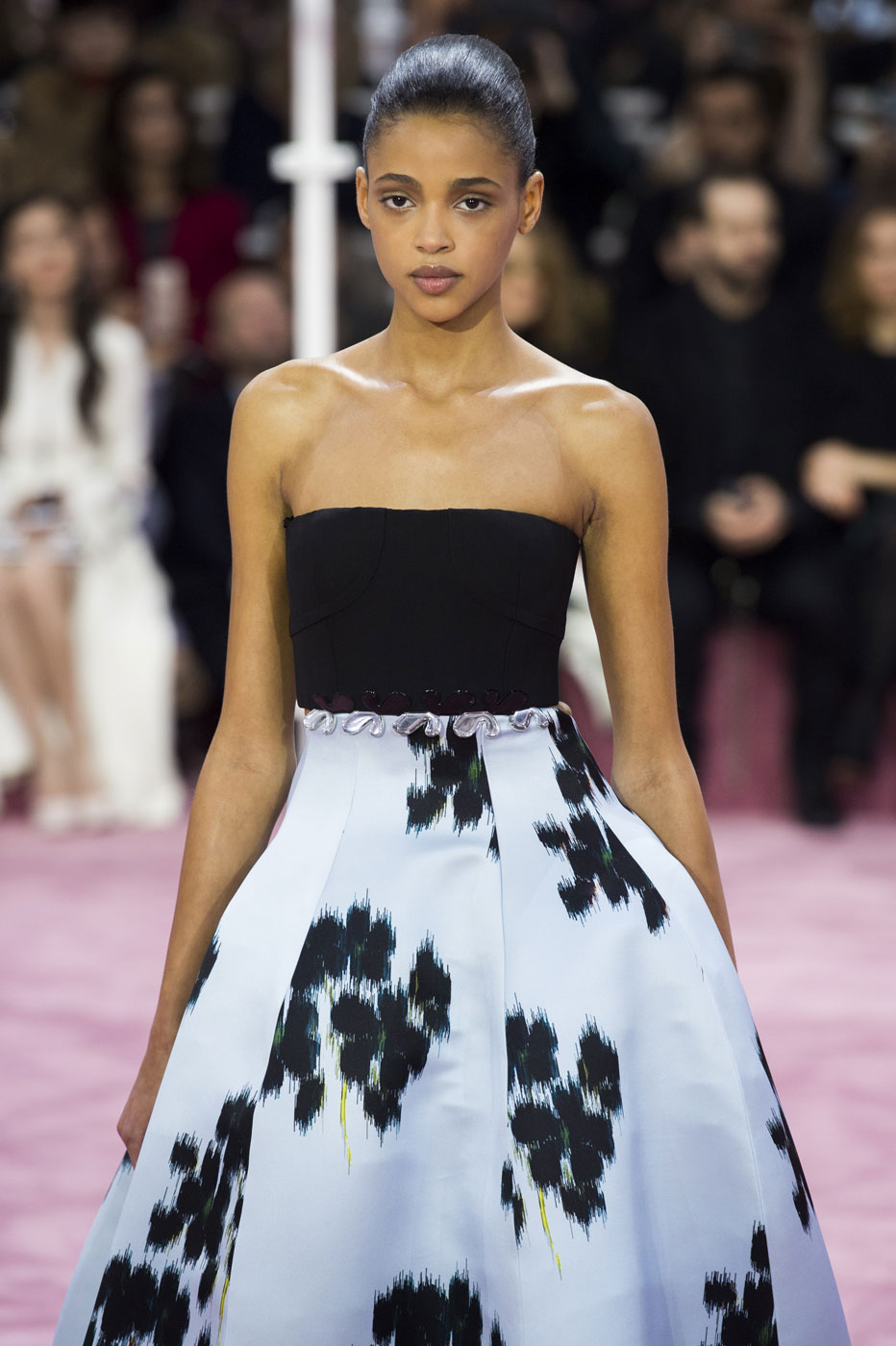 Christian-Dior-fashion-runway-show-haute-couture-paris-spring-summer-2015-the-impression-018