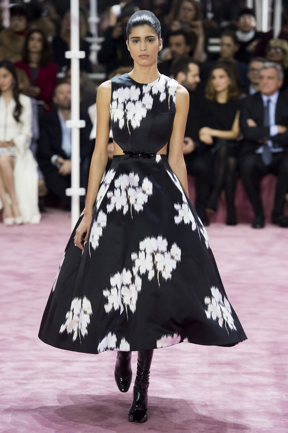 Christian-Dior-fashion-runway-show-haute-couture-paris-spring-summer-2015-the-impression-019