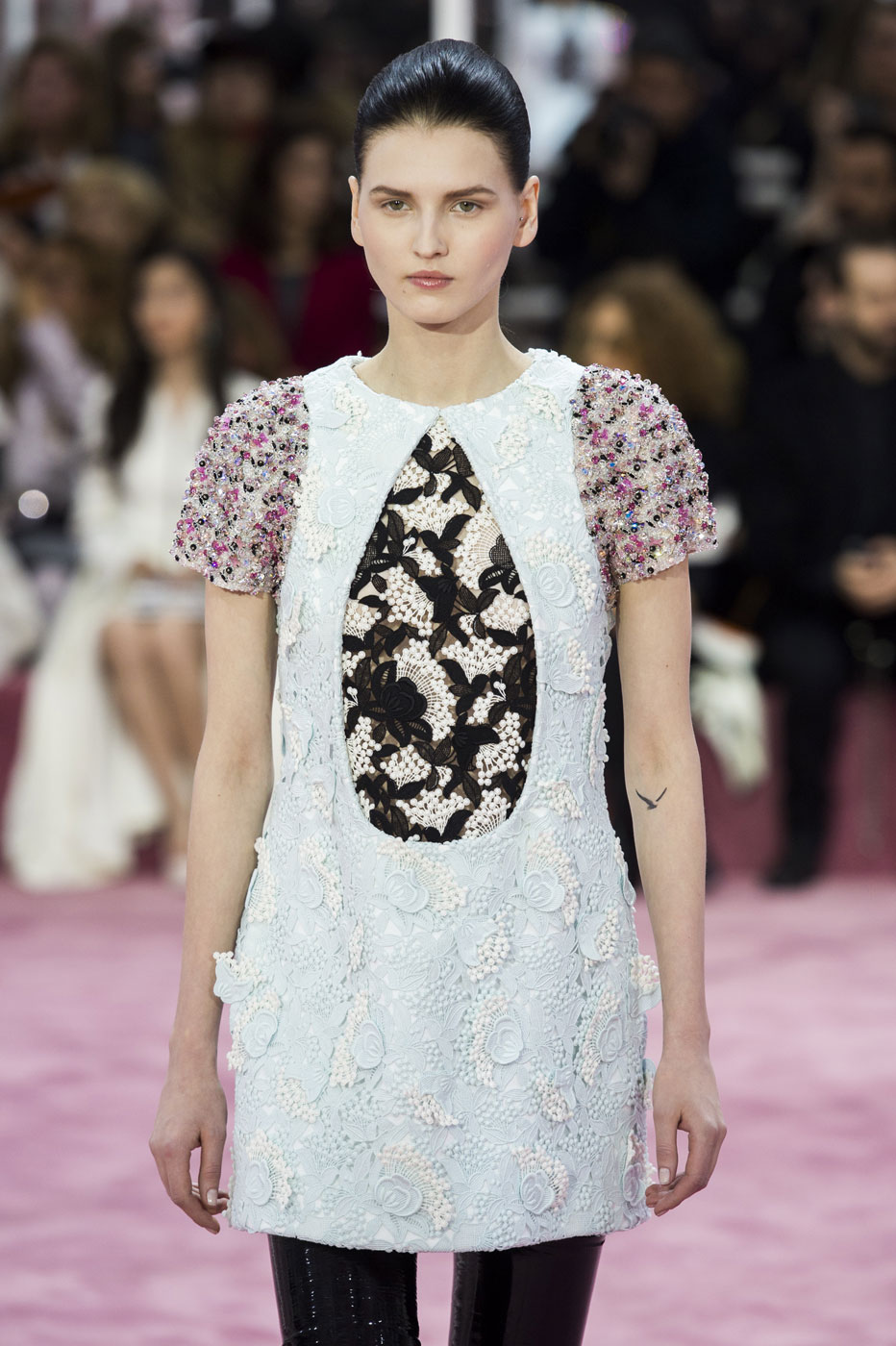 Christian-Dior-fashion-runway-show-haute-couture-paris-spring-summer-2015-the-impression-028