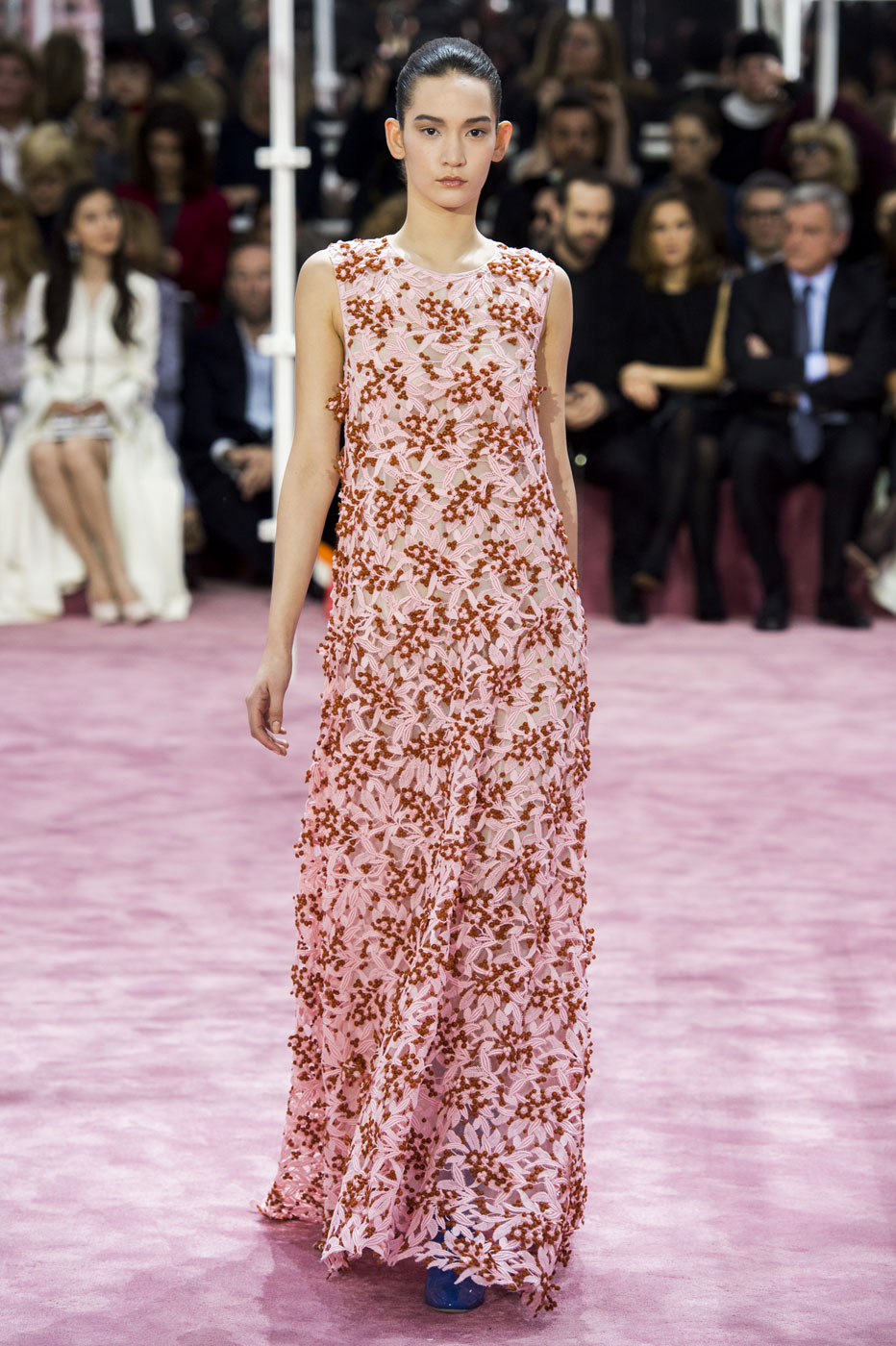 Christian-Dior-fashion-runway-show-haute-couture-paris-spring-summer-2015-the-impression-039