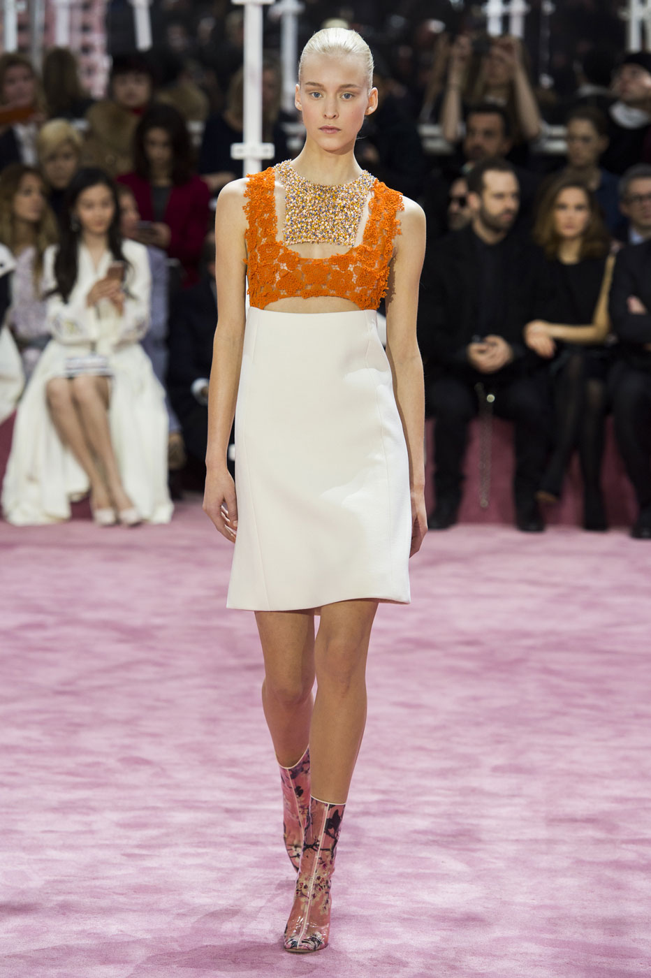 Christian-Dior-fashion-runway-show-haute-couture-paris-spring-summer-2015-the-impression-041