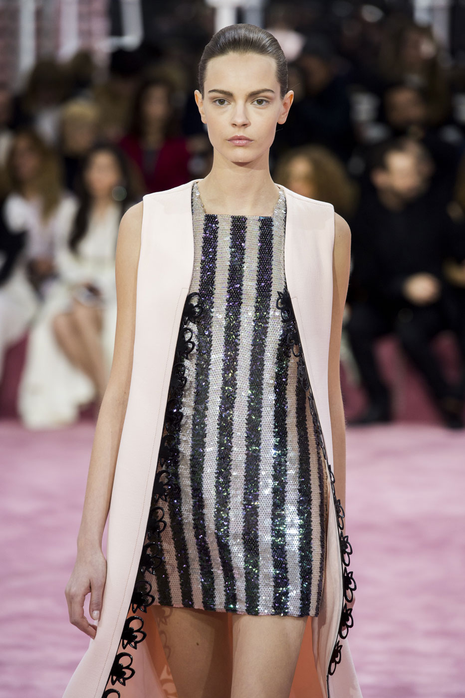 Christian-Dior-fashion-runway-show-haute-couture-paris-spring-summer-2015-the-impression-087