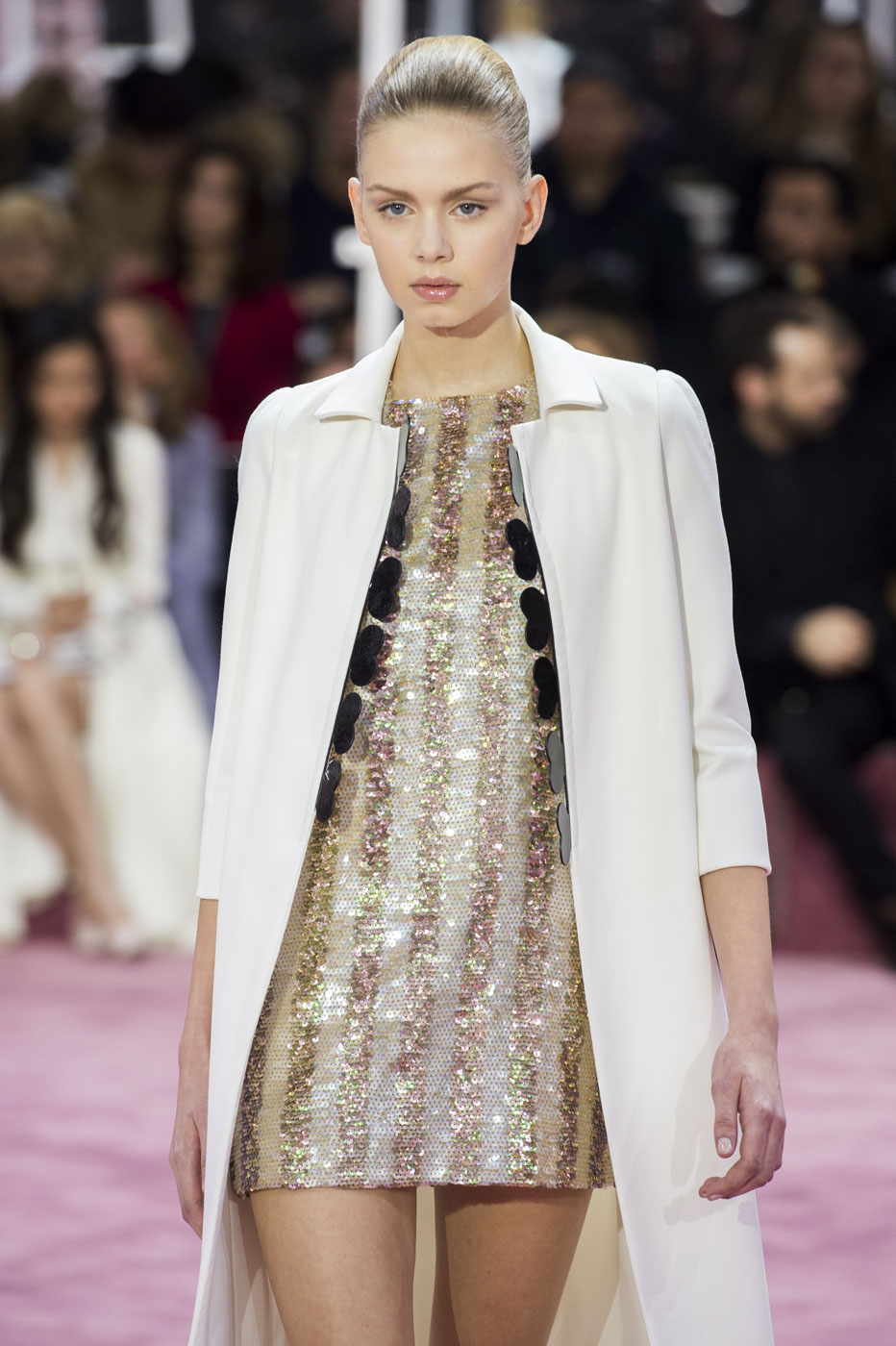 Christian-Dior-fashion-runway-show-haute-couture-paris-spring-summer-2015-the-impression-089