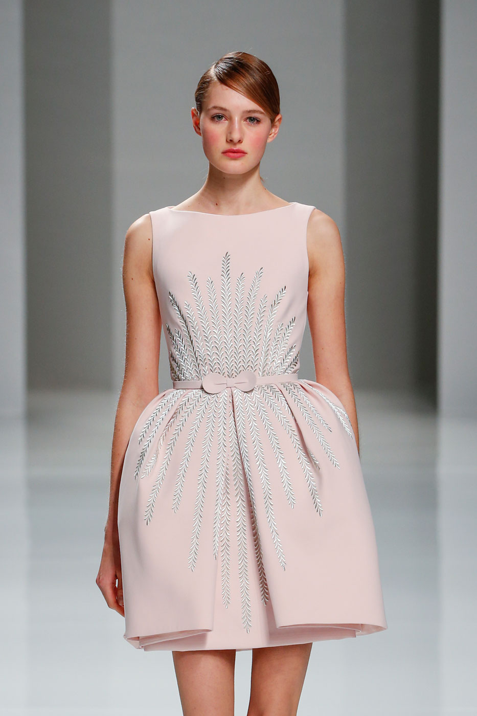 Georges-Hobeika-fashion-runway-show-haute-couture-paris-spring-2015-the-impression-02
