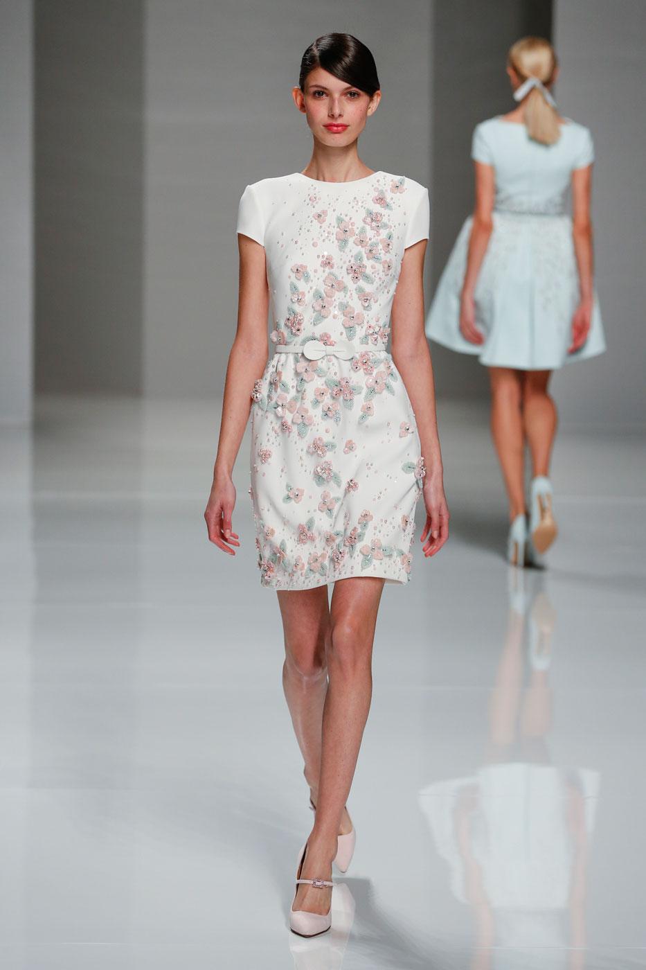 Georges-Hobeika-fashion-runway-show-haute-couture-paris-spring-2015-the-impression-05