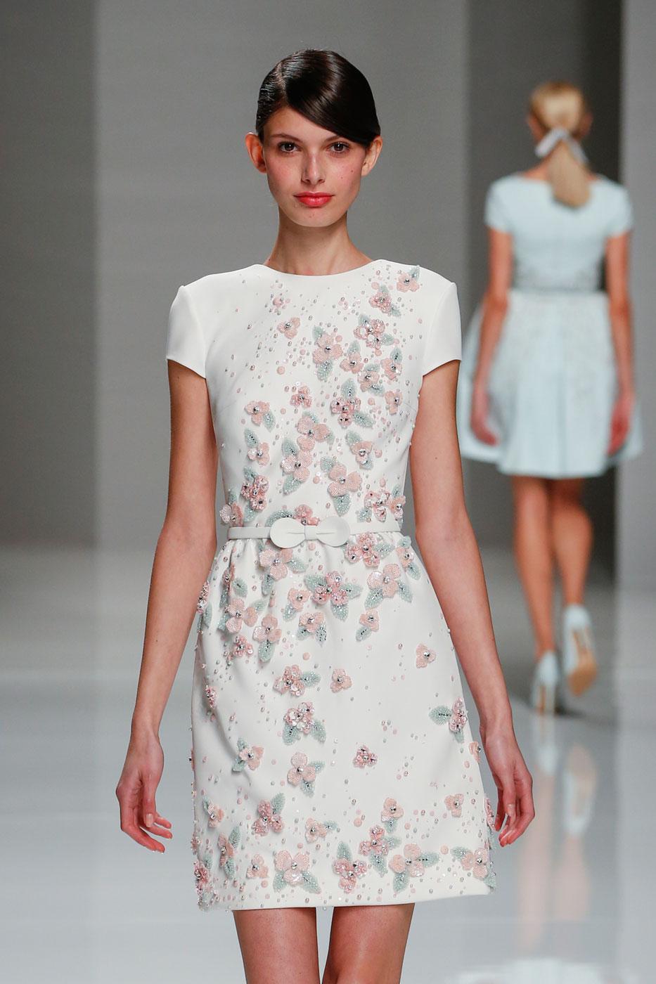 Georges-Hobeika-fashion-runway-show-haute-couture-paris-spring-2015-the-impression-06