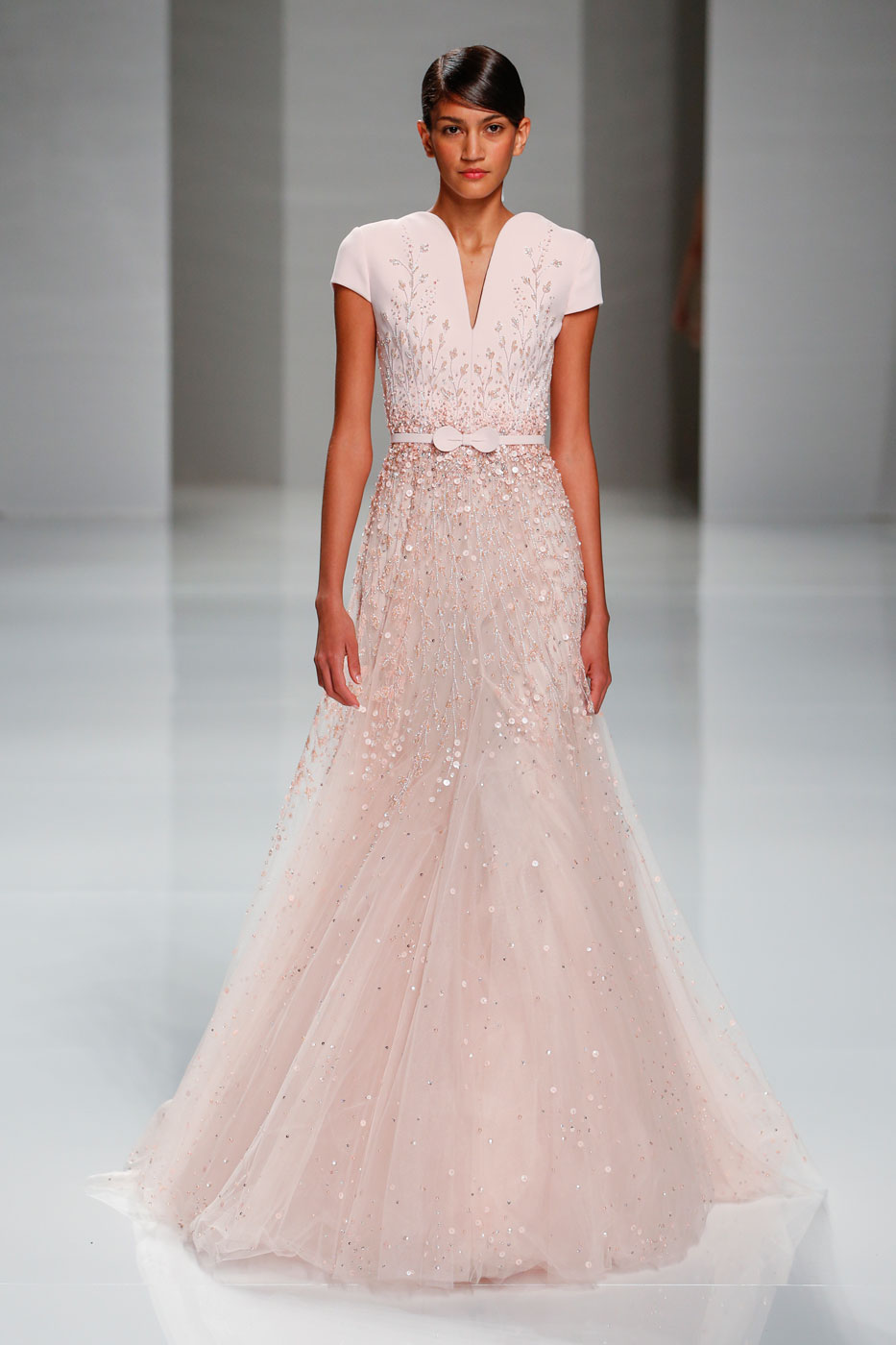 Georges-Hobeika-fashion-runway-show-haute-couture-paris-spring-2015-the-impression-51