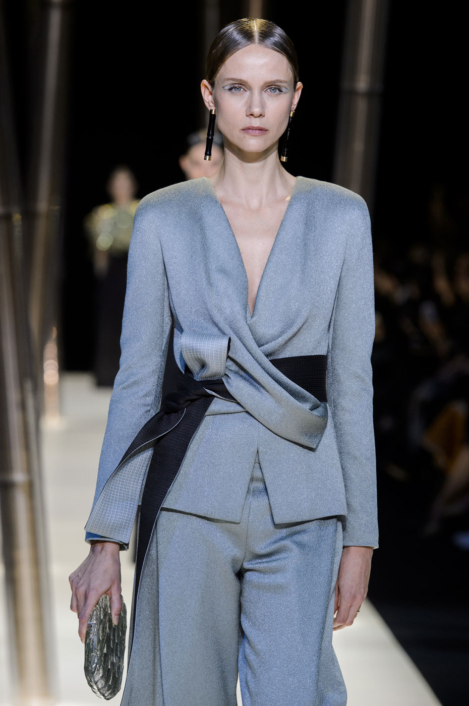 Giorgio-armani-Prive-fashion-runway-show-haute-couture-paris-spring-2015-the-impression-052