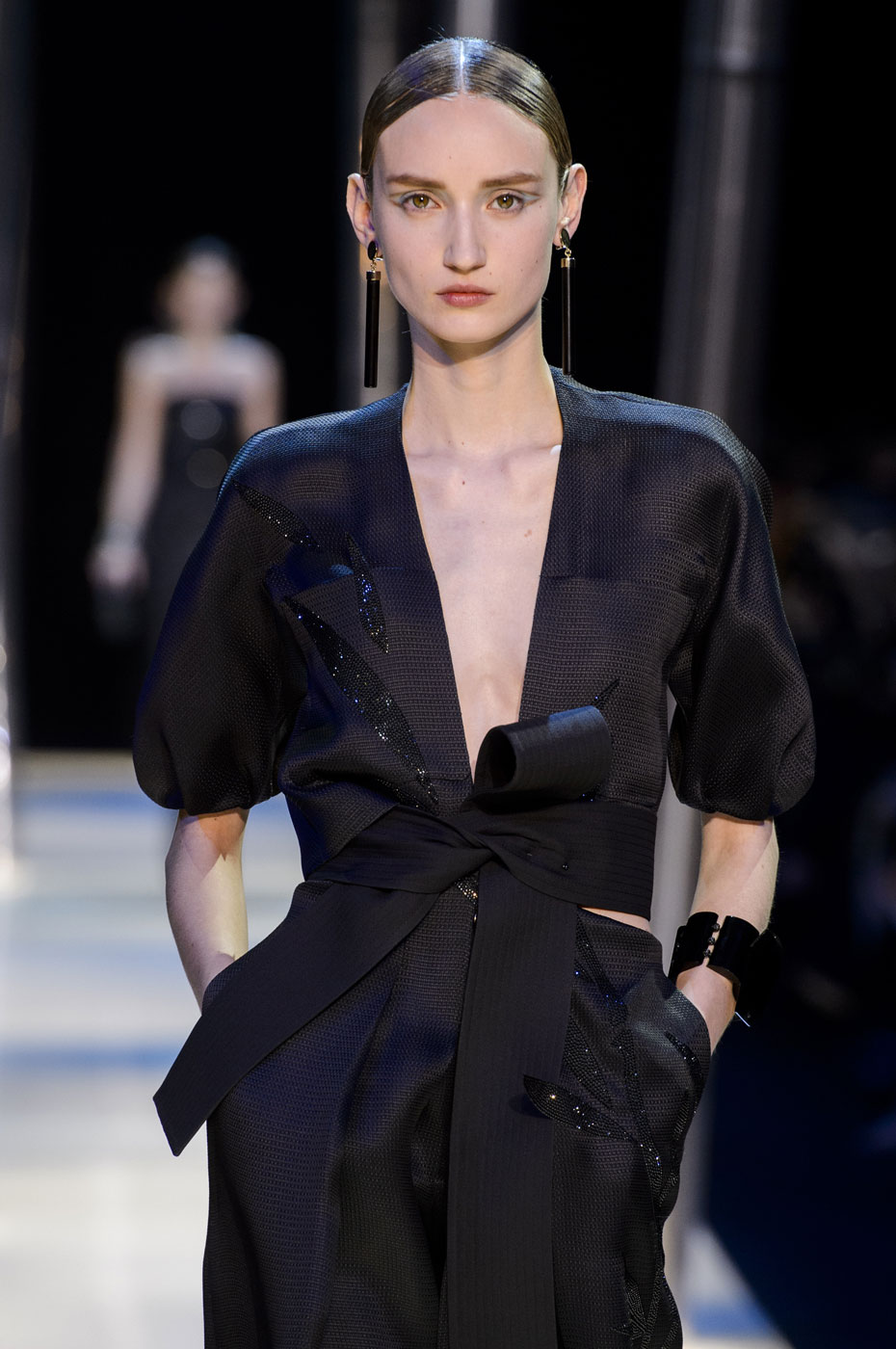 Giorgio-armani-Prive-fashion-runway-show-haute-couture-paris-spring-2015-the-impression-098