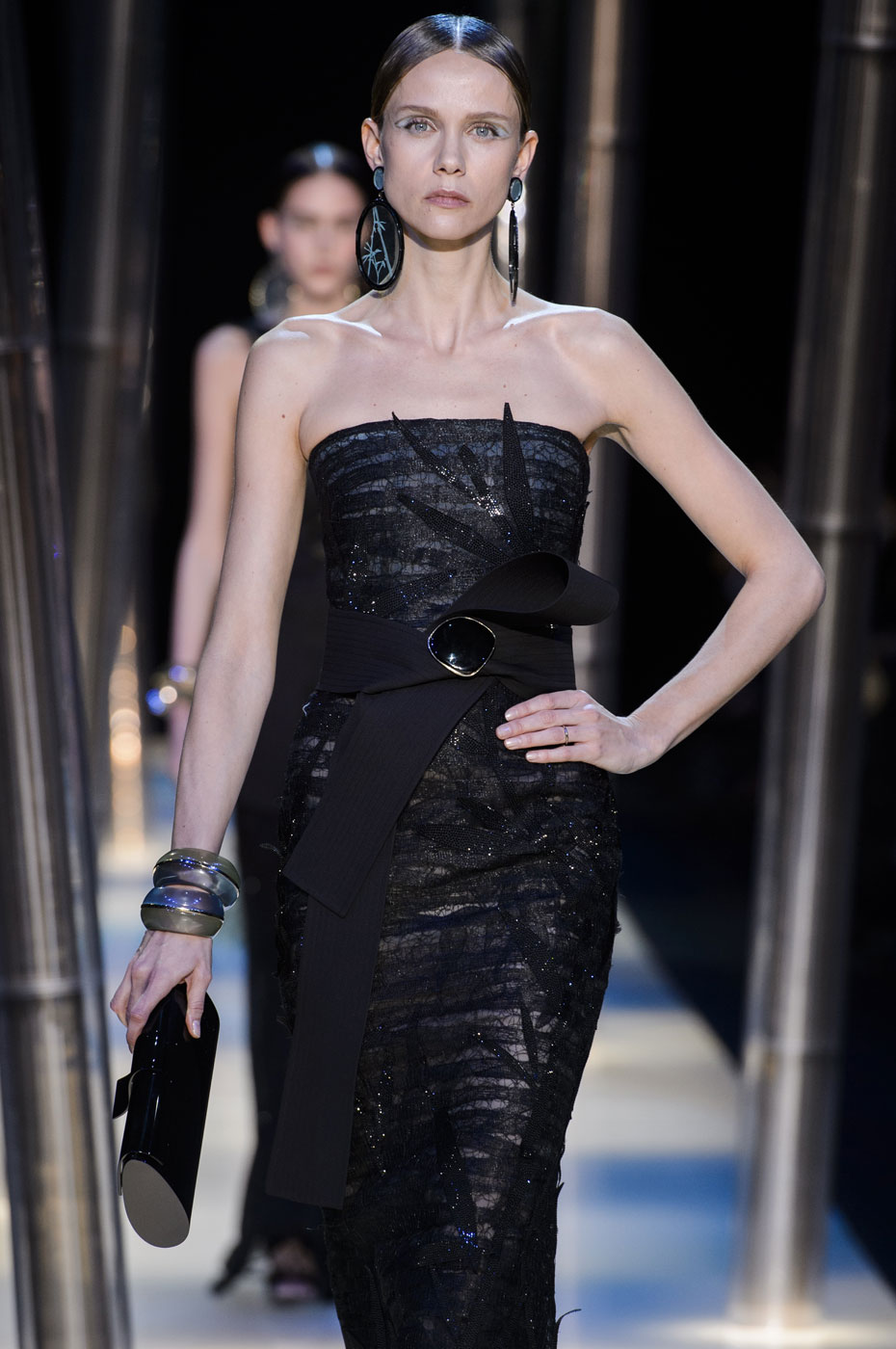 Giorgio-armani-Prive-fashion-runway-show-haute-couture-paris-spring-2015-the-impression-100