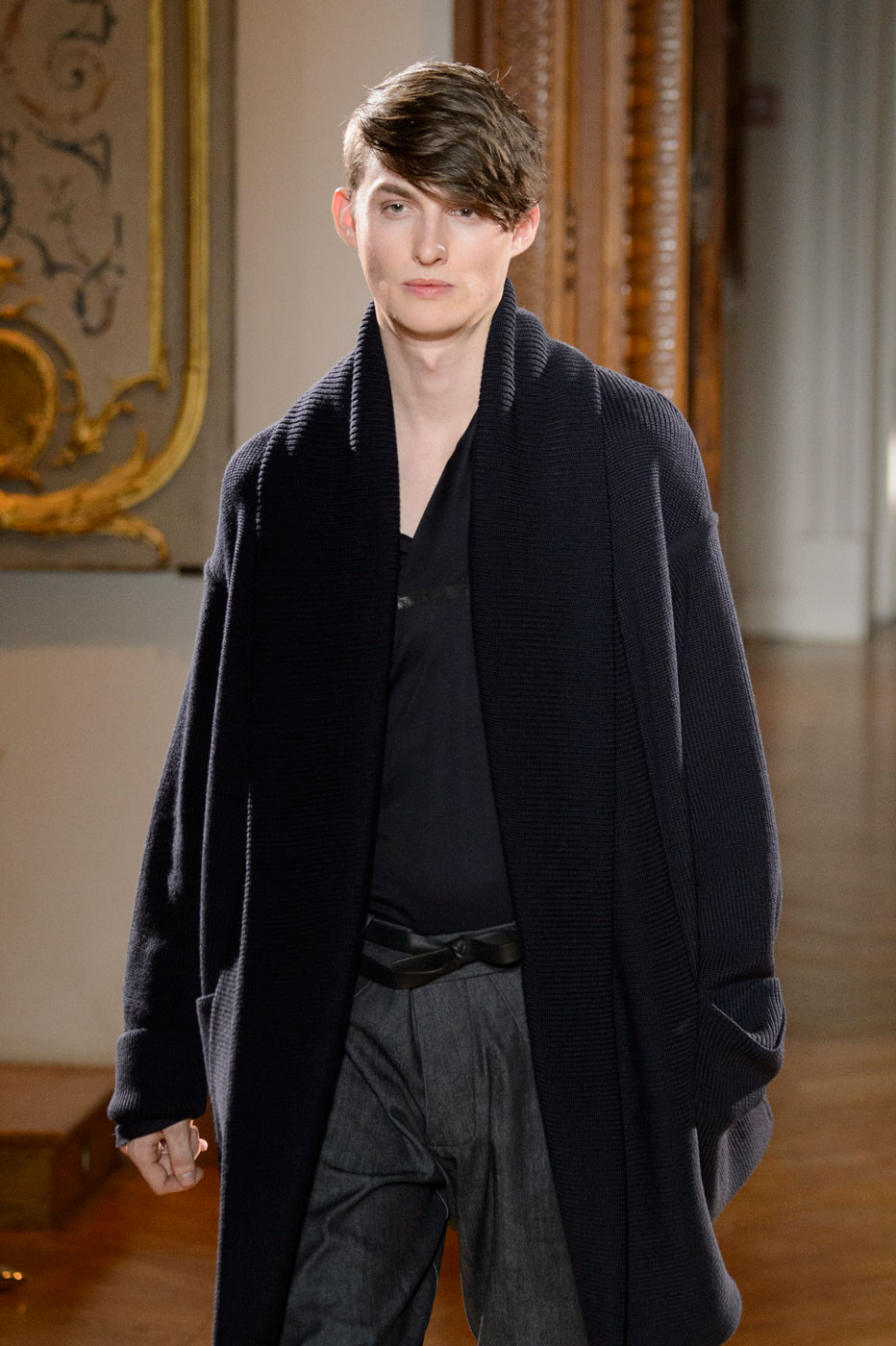 Gustavolins-Prive-fashion-runway-show-haute-couture-paris-spring-2015-the-impression-26