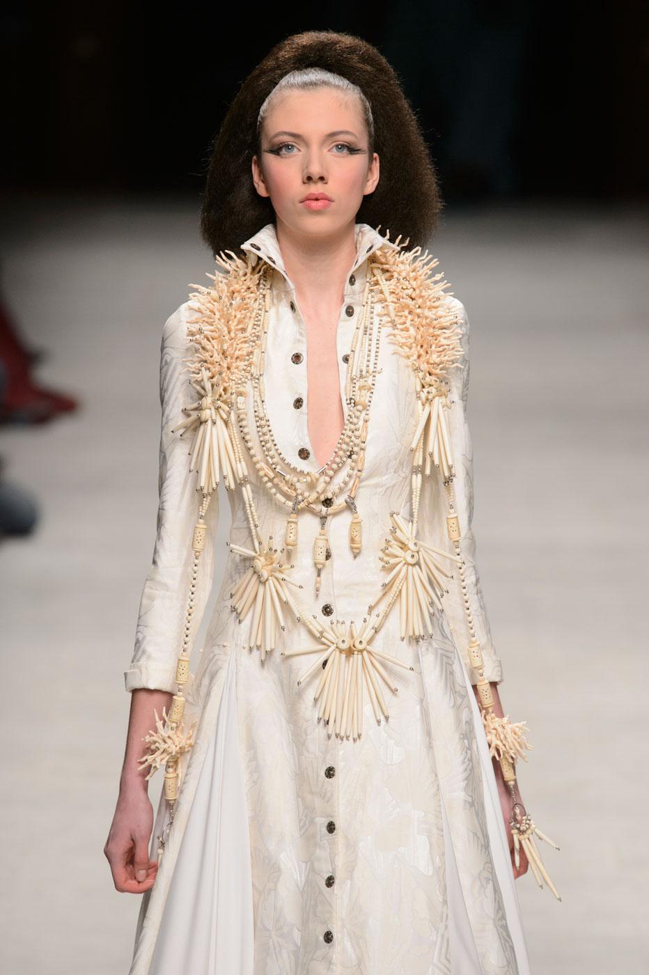 Julien-Fournie-Prive-fashion-runway-show-haute-couture-paris-spring-2015-the-impression-57