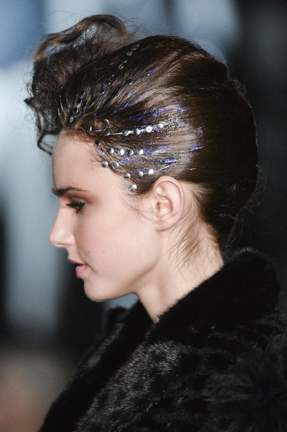 On-Aura-Tout-Vu-fashion-runway-show-haute-couture-paris-spring-summer-2015-the-impression-10