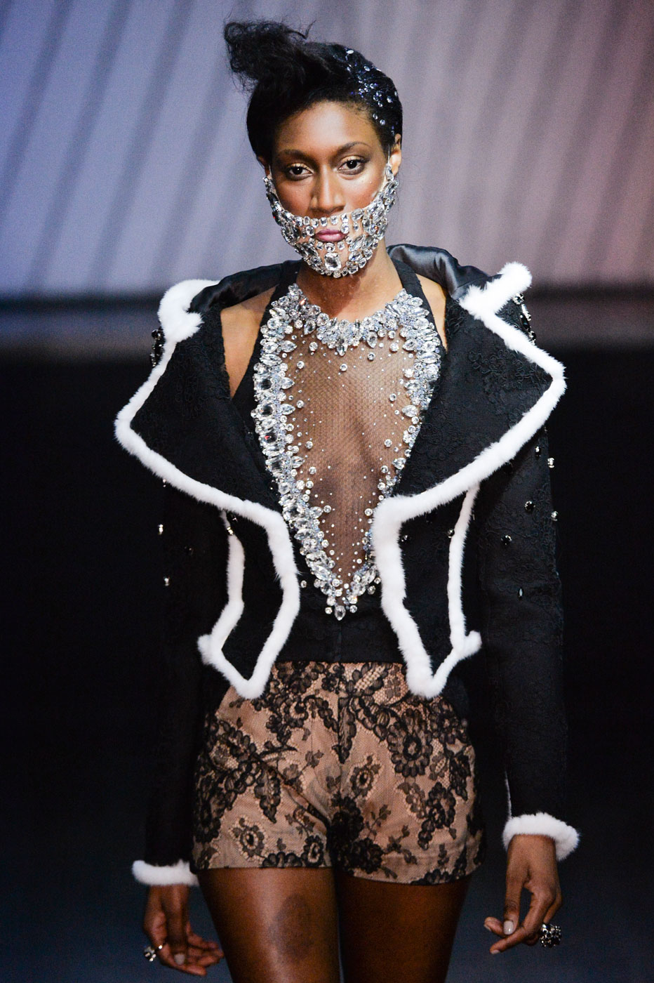 On-Aura-Tout-Vu-fashion-runway-show-haute-couture-paris-spring-summer-2015-the-impression-18