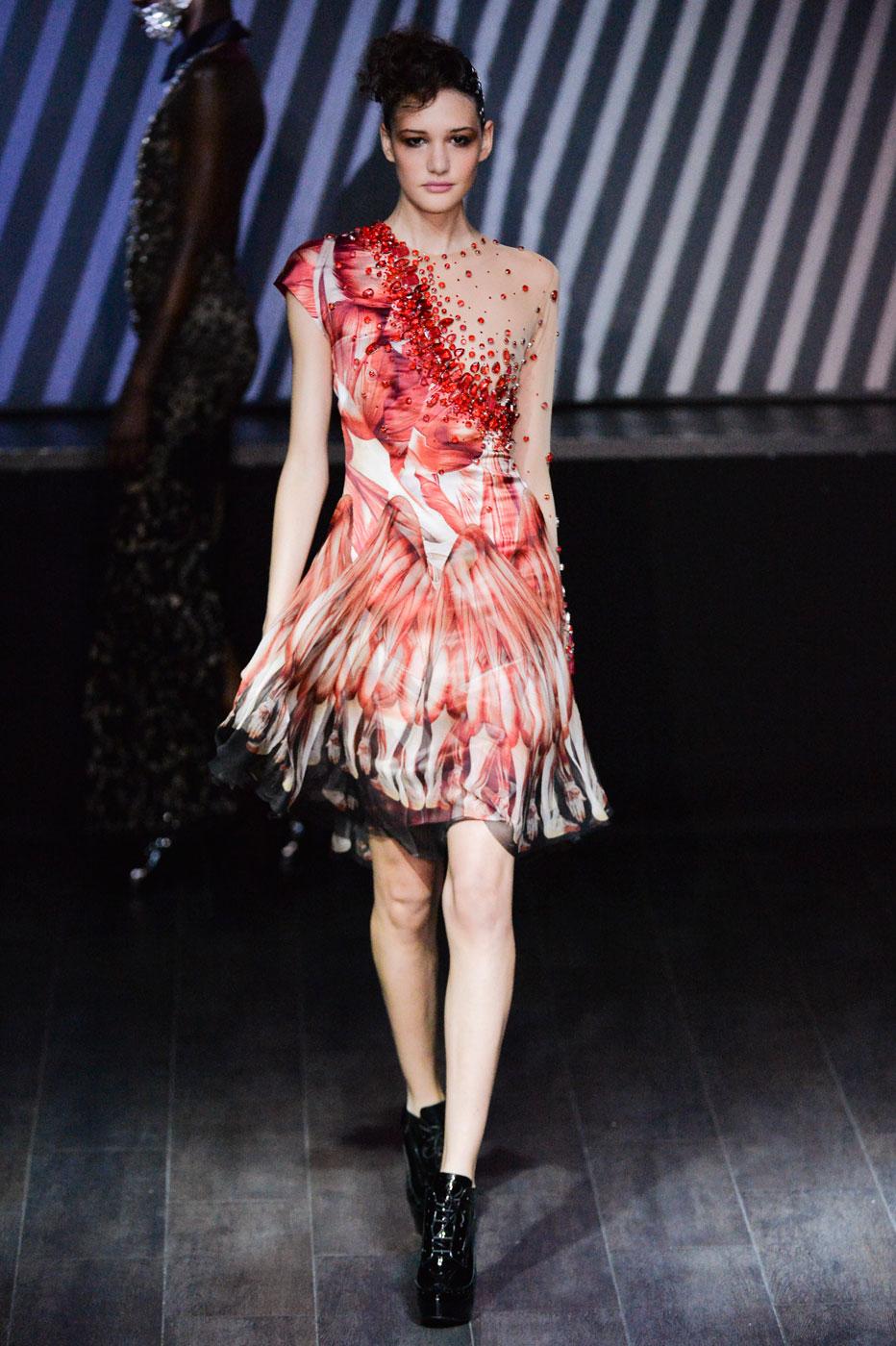On-Aura-Tout-Vu-fashion-runway-show-haute-couture-paris-spring-summer-2015-the-impression-25
