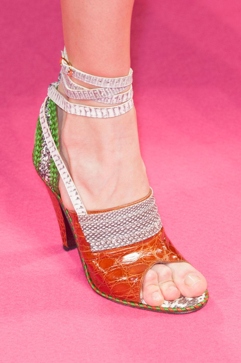 Schiaparelli-fashion-runway-show-close-ups-haute-couture-paris-spring-summer-2015-the-impression-15