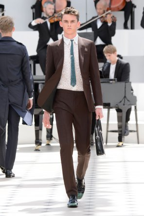 BURBERRY-PRORSUM-spring-2016-mens-show-the-impression-04
