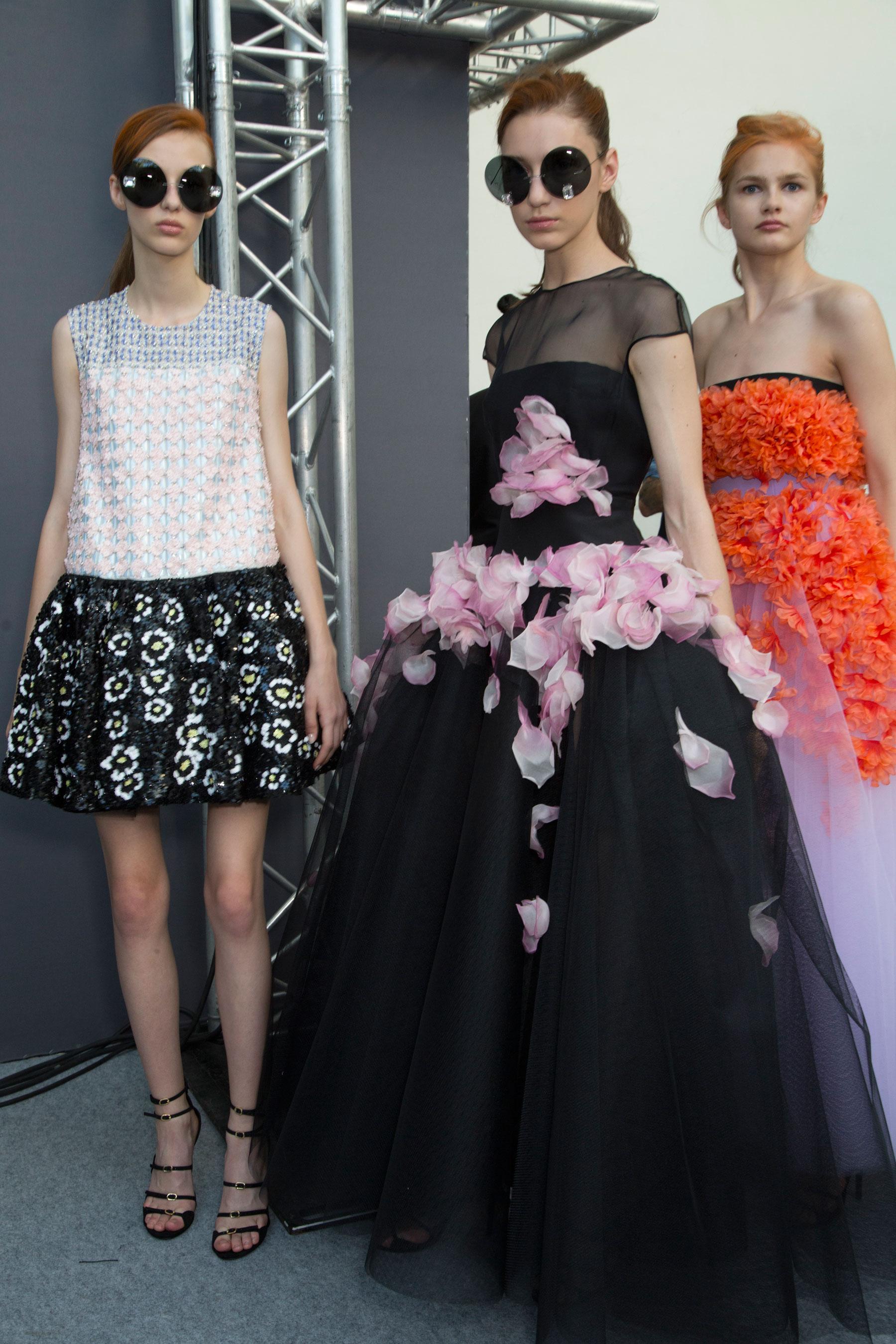 GIAMBATTISTA-VALLI-backstage-fall-2015-couture-the-impression-065