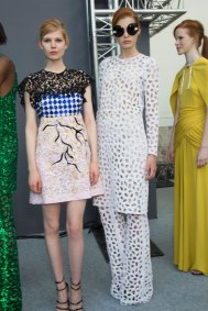 GIAMBATTISTA-VALLI-backstage-fall-2015-couture-the-impression-072